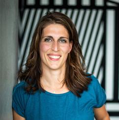 Adine Versluis geeft interieurontwerper Jennifer Colajezzi positieve review voor haar interieurontwerp diensten.